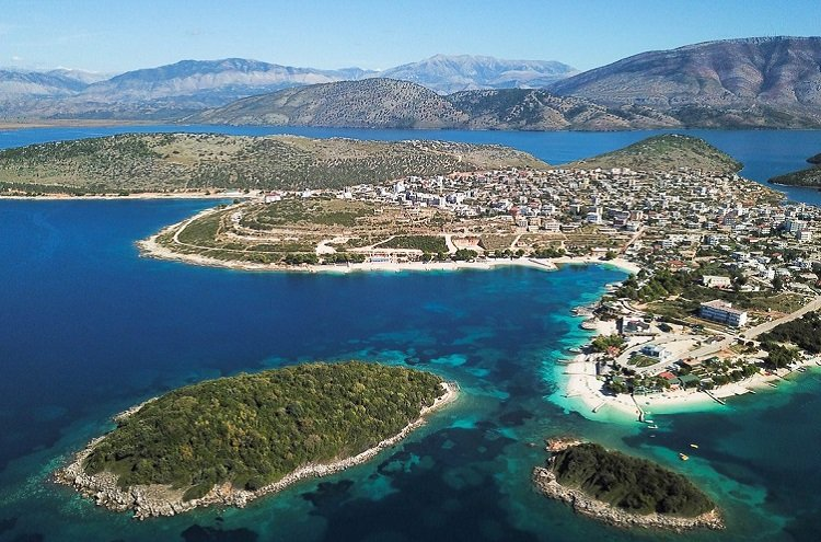 Ksamil near Saranda is a beautiful beach fronting a very interesting archipelago.