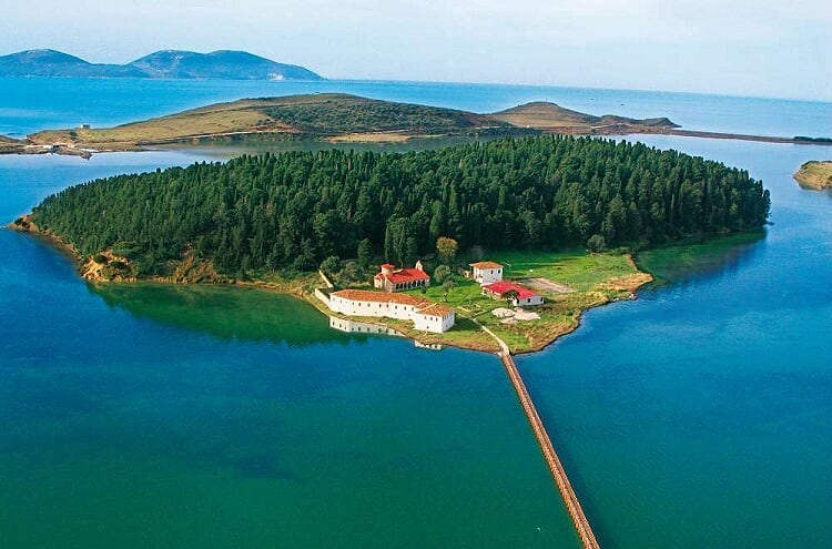 Zvërnec is a lagunar oasis with much to offer in a small island surrounded by strips of land.