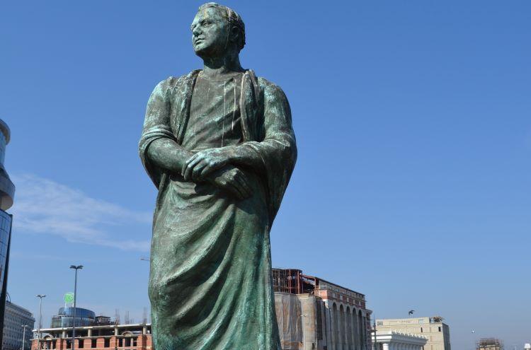 Modern bronze statue of king Audoleon in Skopje, North Macedonia.